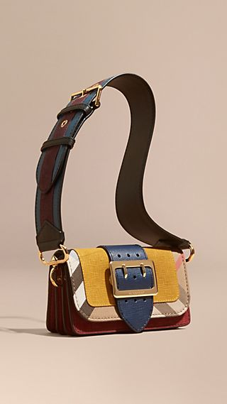Borsa The Buckle piccola in pelle scamosciata e motivo House check