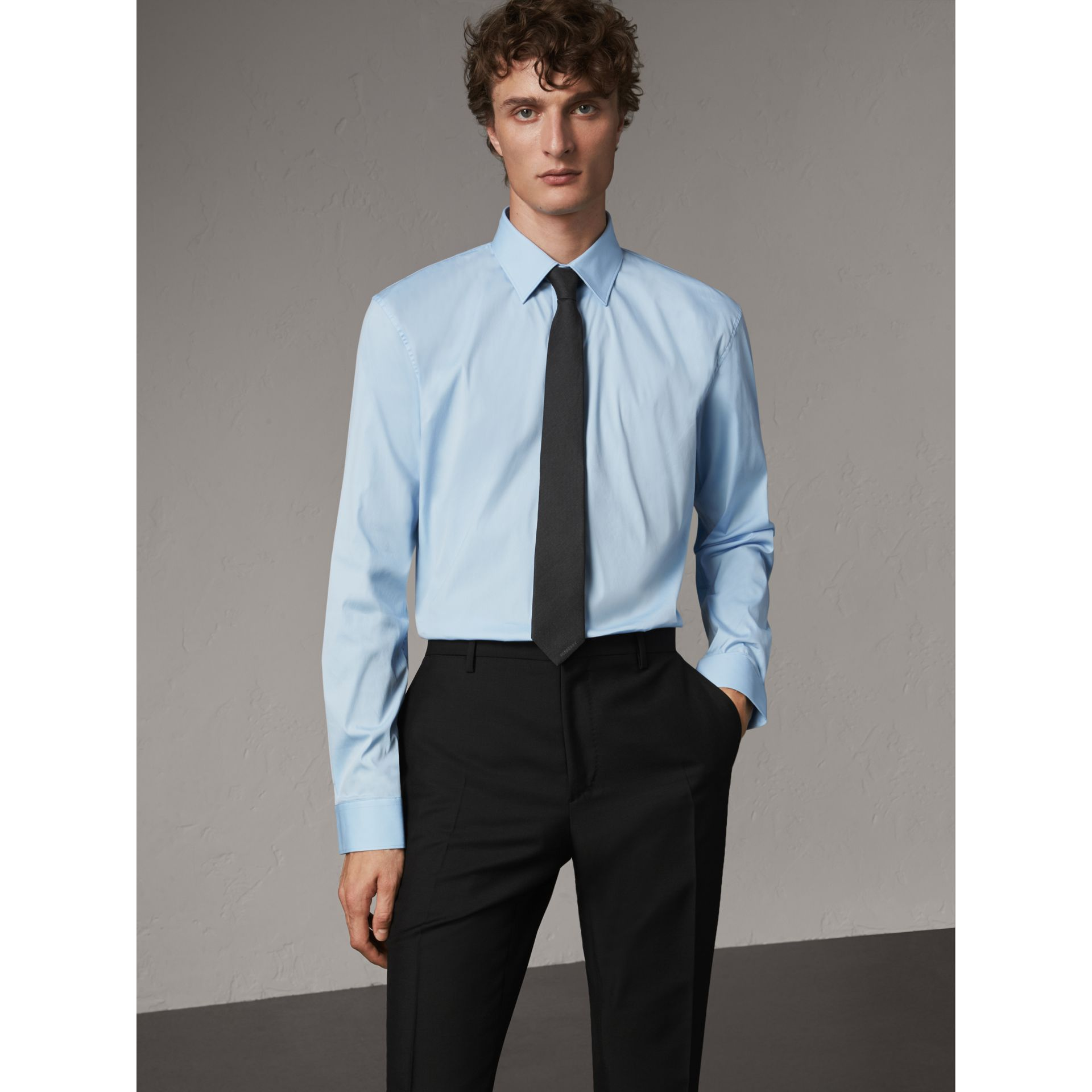 Modern Fit Stretch Cotton Shirt in City Blue - Men | Burberry Hong Kong - gallery image 1