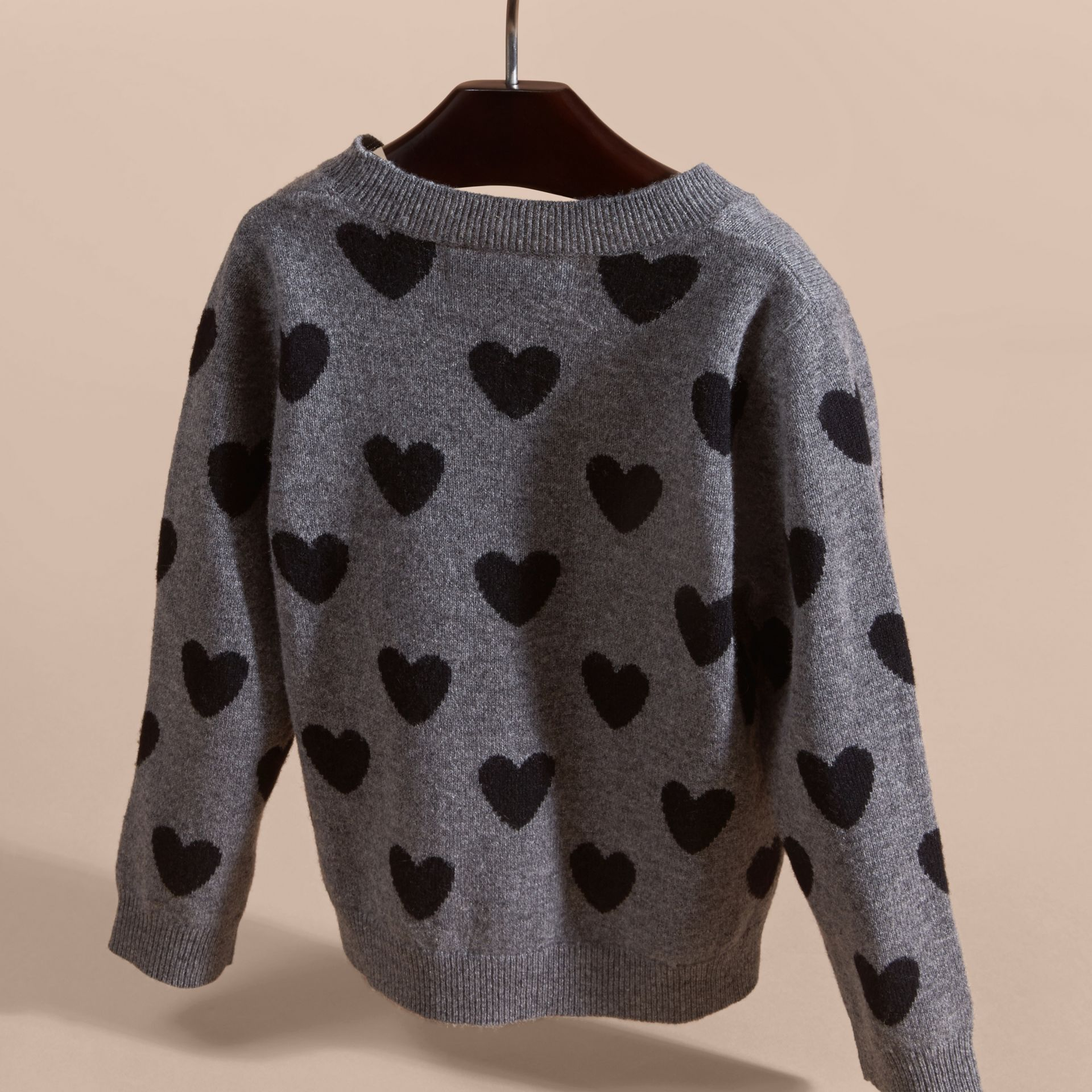 Preto Suéter de lã e cashmere com corações em ponto de tricô intársia - galeria de imagens 4