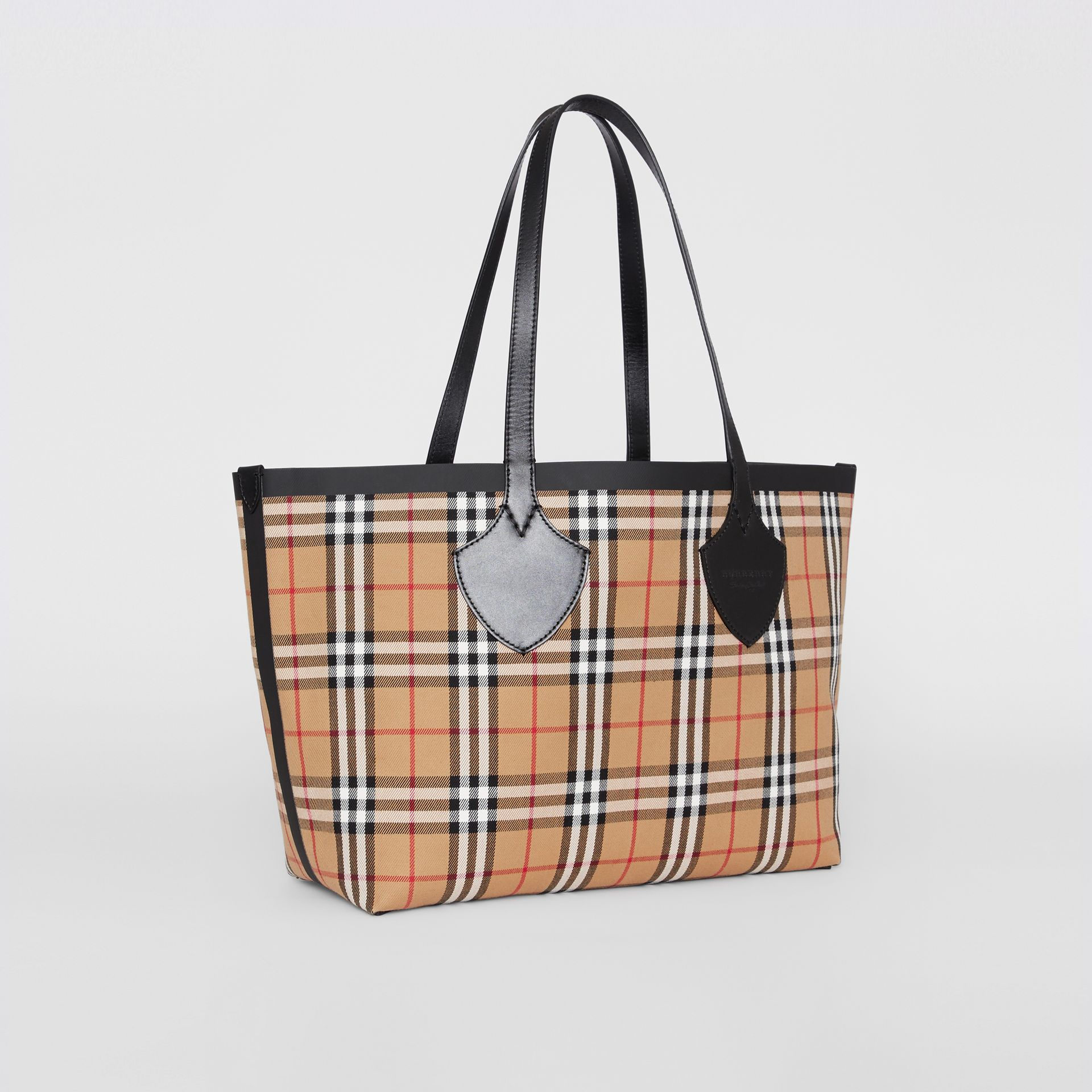 Sac tote The Giant moyen en Vintage check (Jaune Antique/rouge Vif) | Burberry - photo de la galerie 8