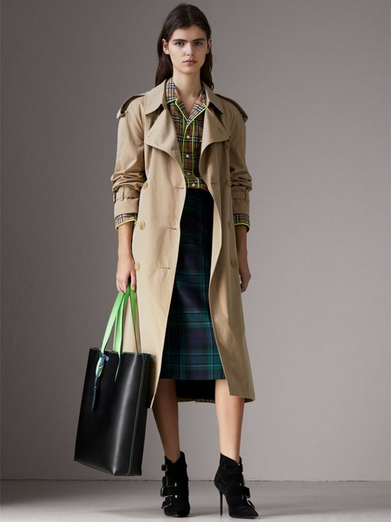 Medium Two-tone Coated Leather Tote in Black | Burberry - cell image 2
