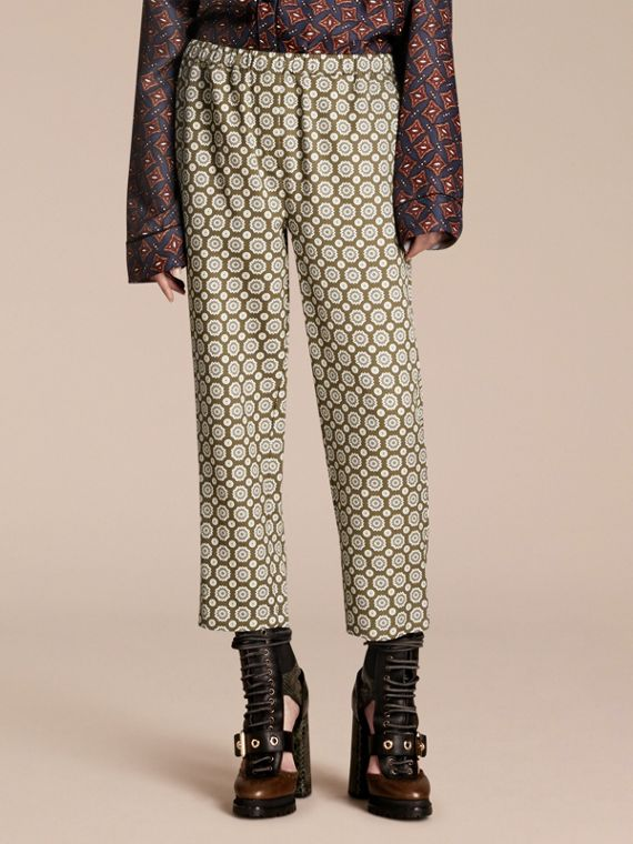 Pantalones pijameros piratas en mezcla de seda y algodón estampada Oliva Amarillo