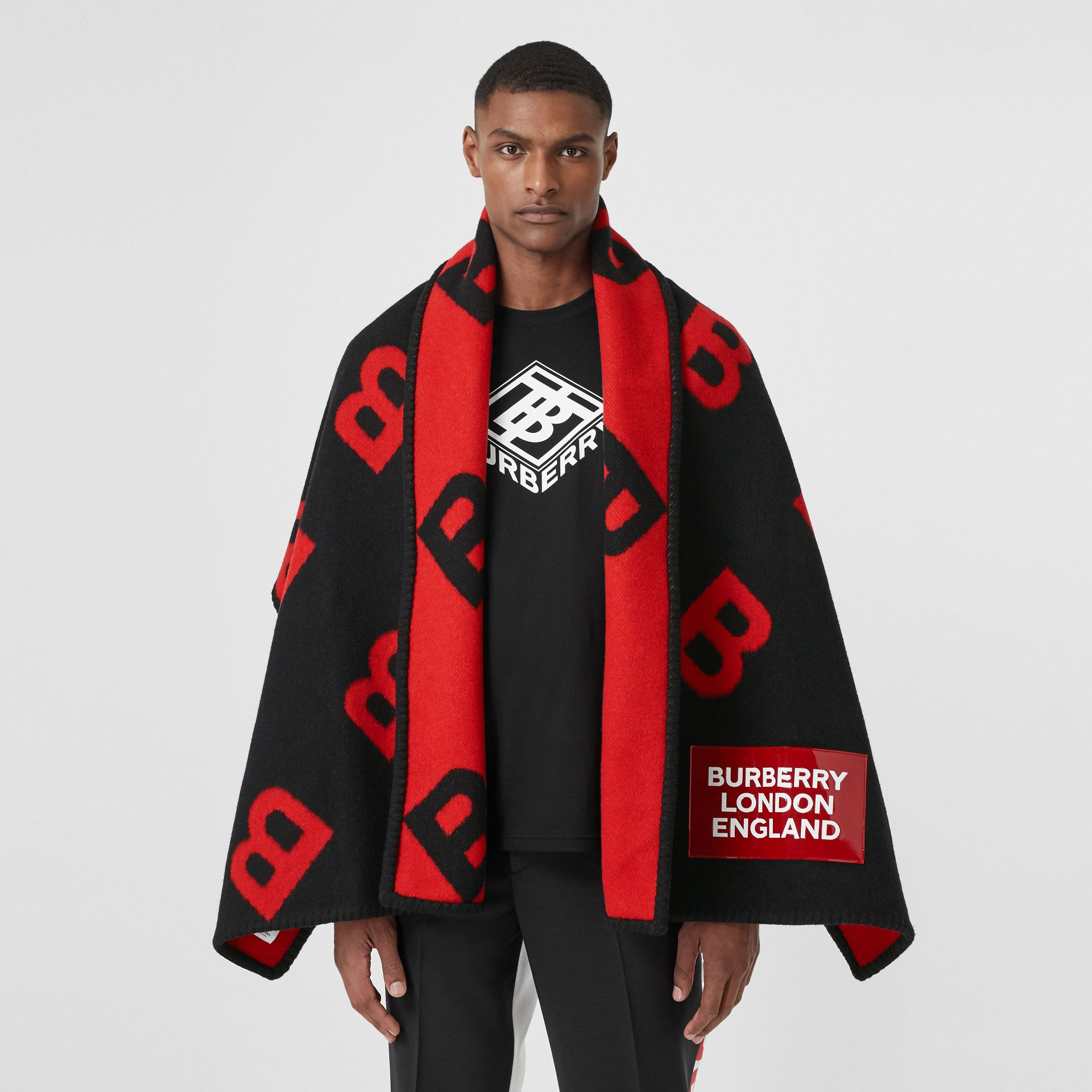 Reversible B Motif Wool Cashmere Blanket Cape in Black/bright Red | Burberry United States - gallery image 8