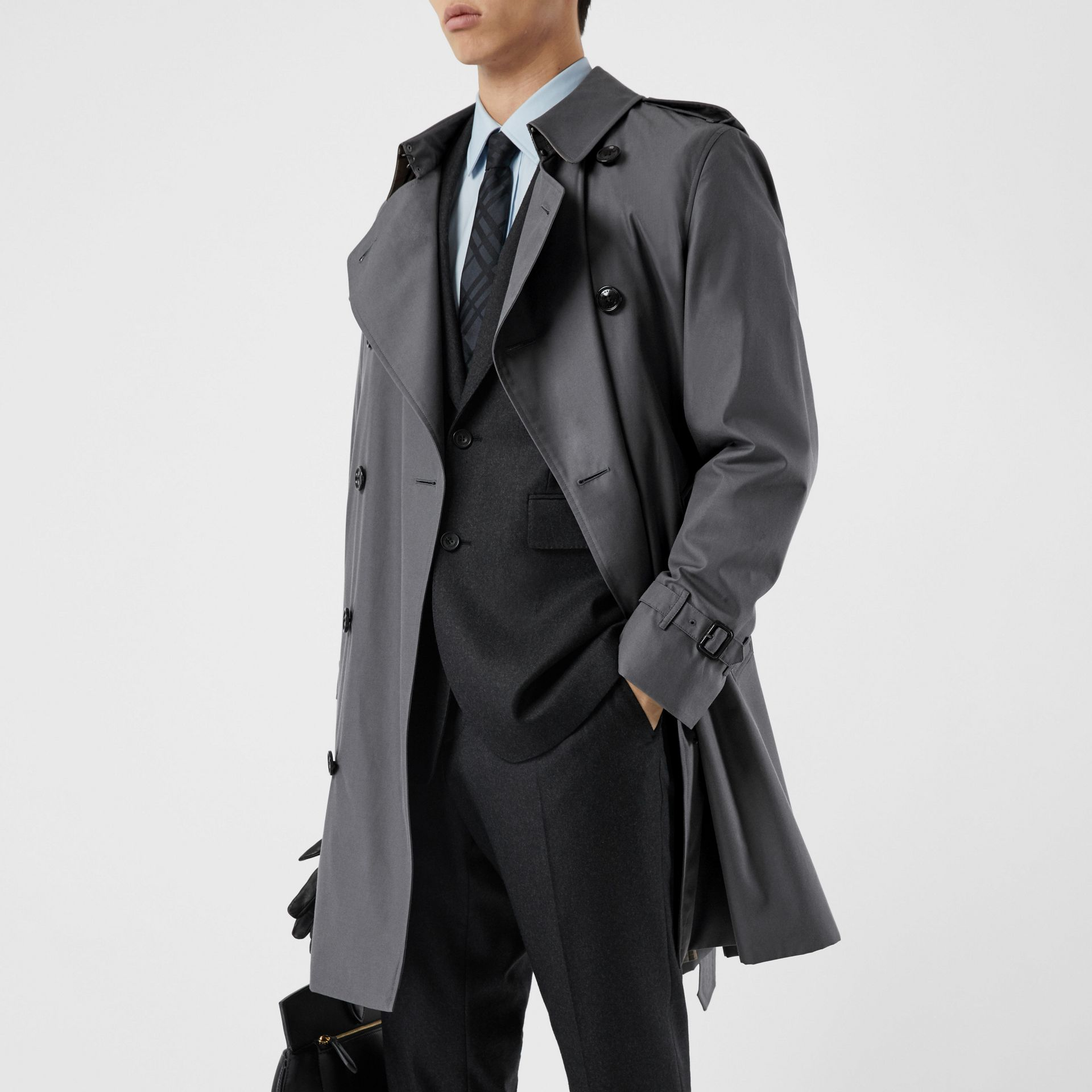 The Mid-length Chelsea Heritage Trench Coat in Mid-grey - Men | Burberry - gallery image 10