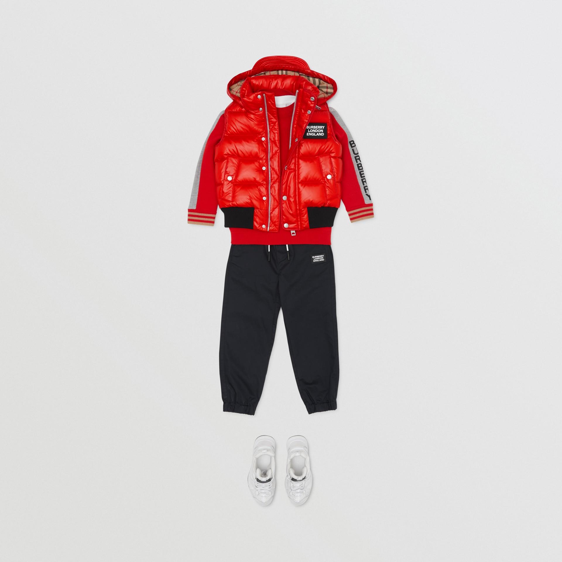 Colete acolchoado de nylon com capuz removível (Vermelho Pillar Box) | Burberry - galeria de imagens 3