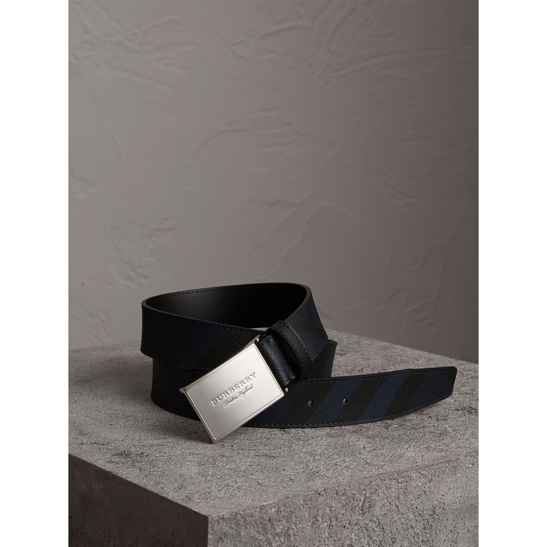 Plaque Buckle London Check and Leather Belt in Navy/black - Men | Burberry United States - gallery image 0
