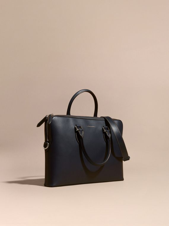The Barrow sottile in pelle liscia Navy Scuro
