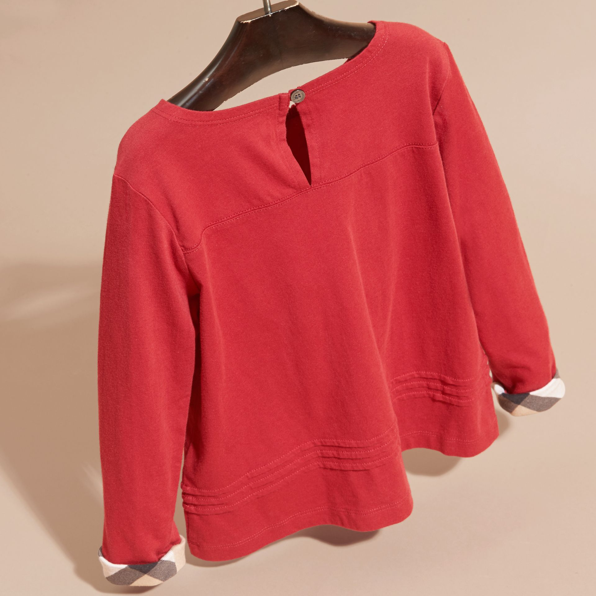 Long-sleeved Pleat Detail Check Cotton T-Shirt in Parade Red - gallery image 4