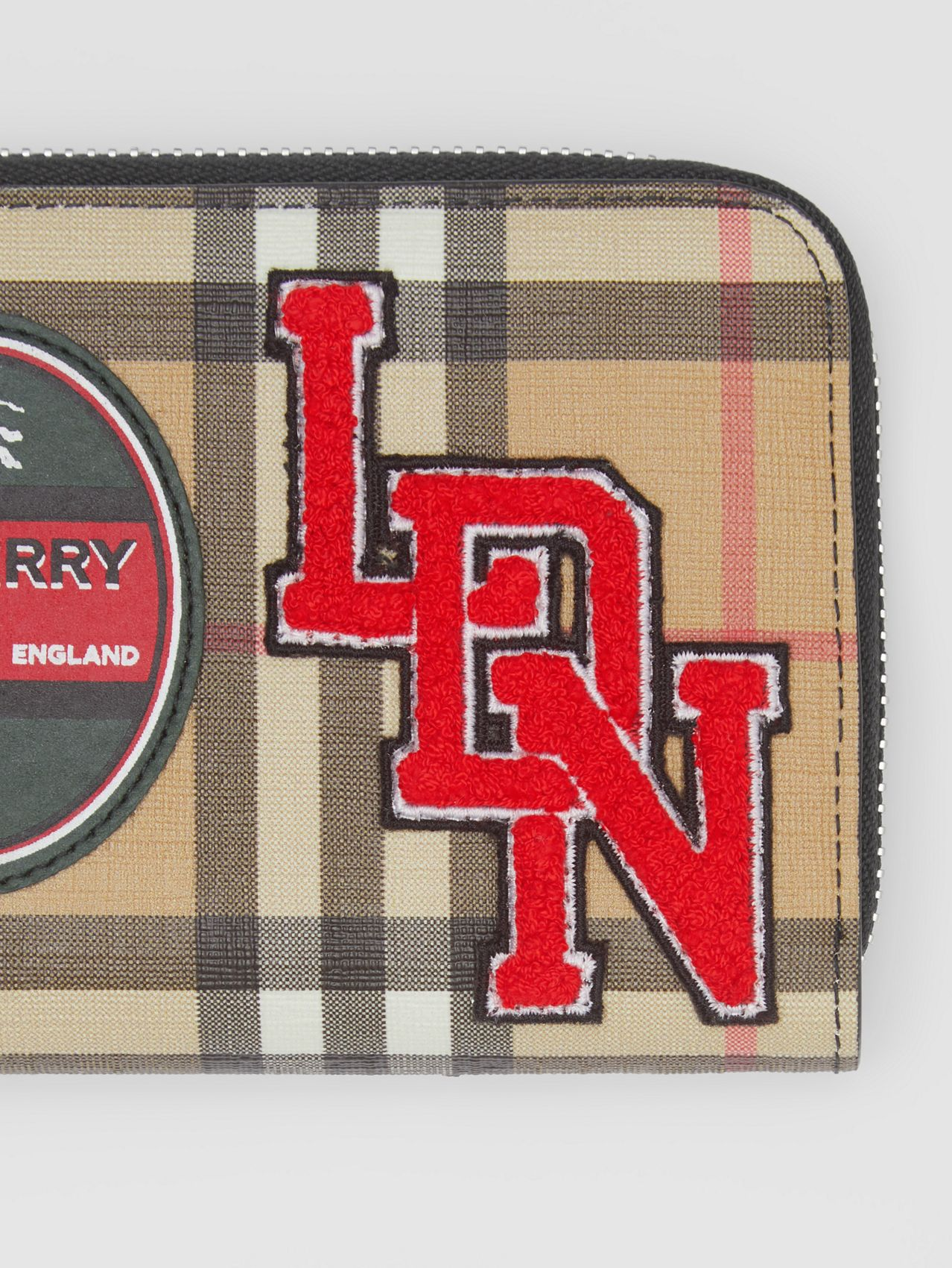 Logo Graphic Vintage Check E-canvas Ziparound Wallet in Archive Beige