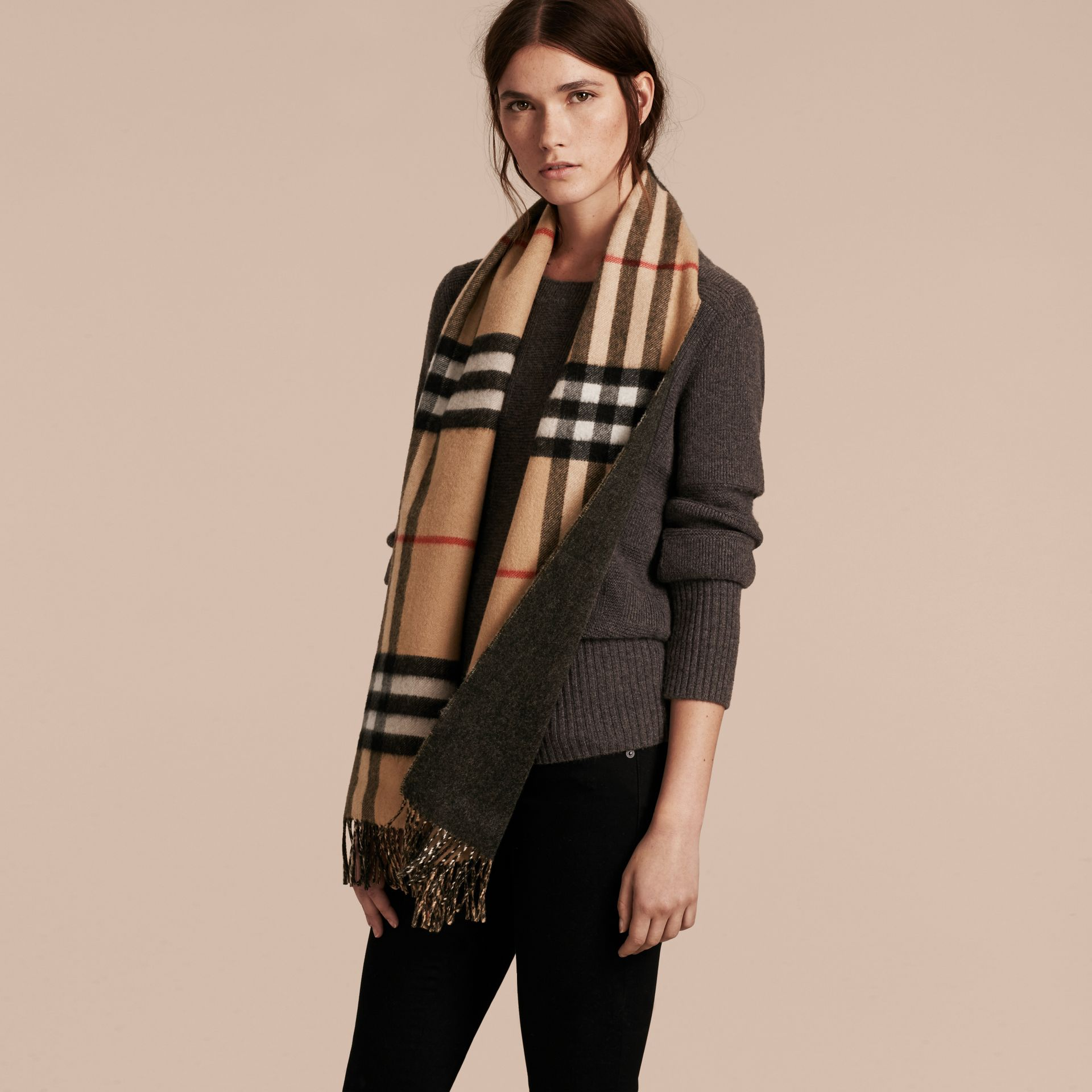 Reversible Check Cashmere and Block-colour Scarf in Camel/charcoal - gallery image 3