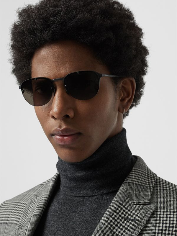Round Frame Sunglasses in Black - Men | Burberry United Kingdom - cell image 2