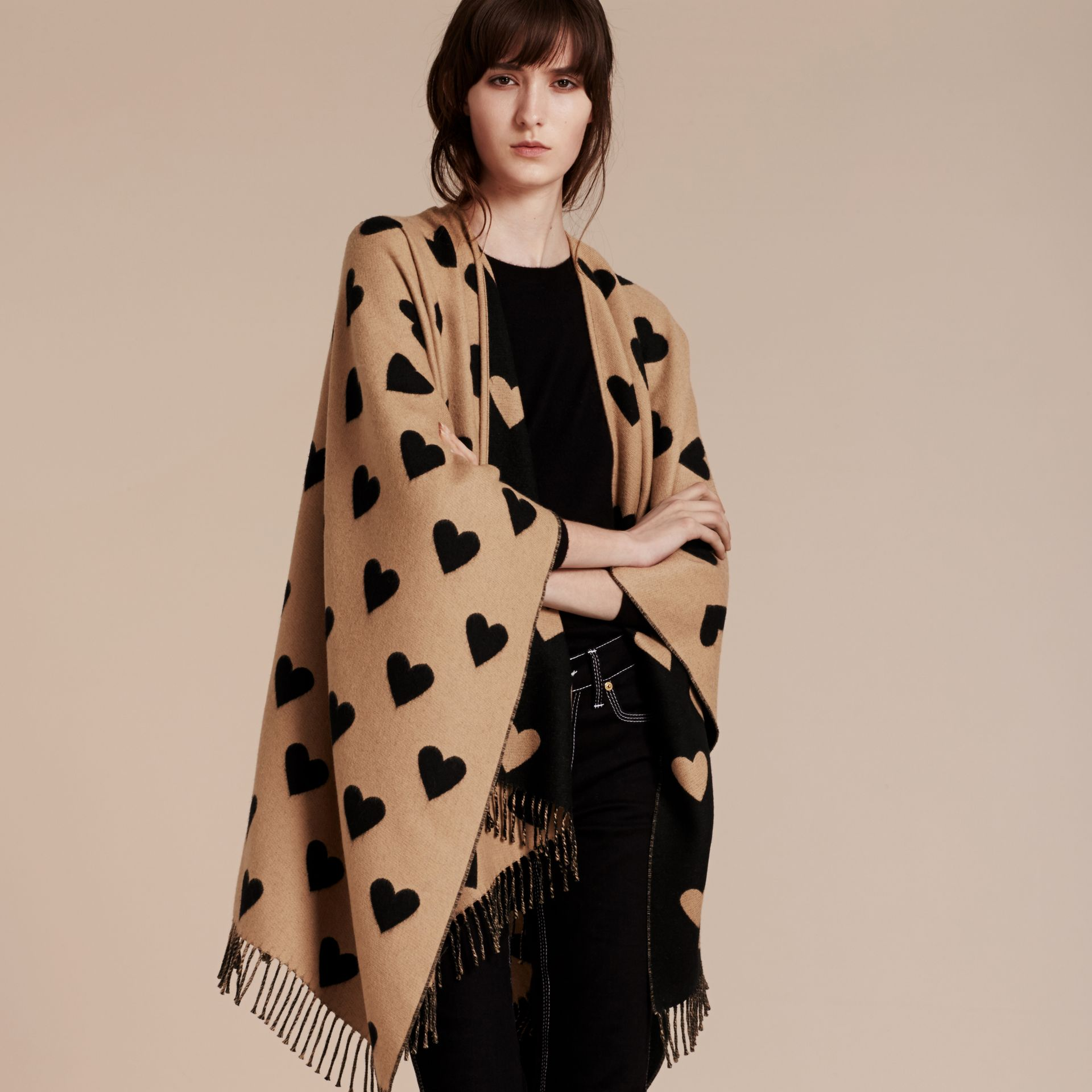 Heart Jacquard Merino Wool Poncho in Camel/black - gallery image 7