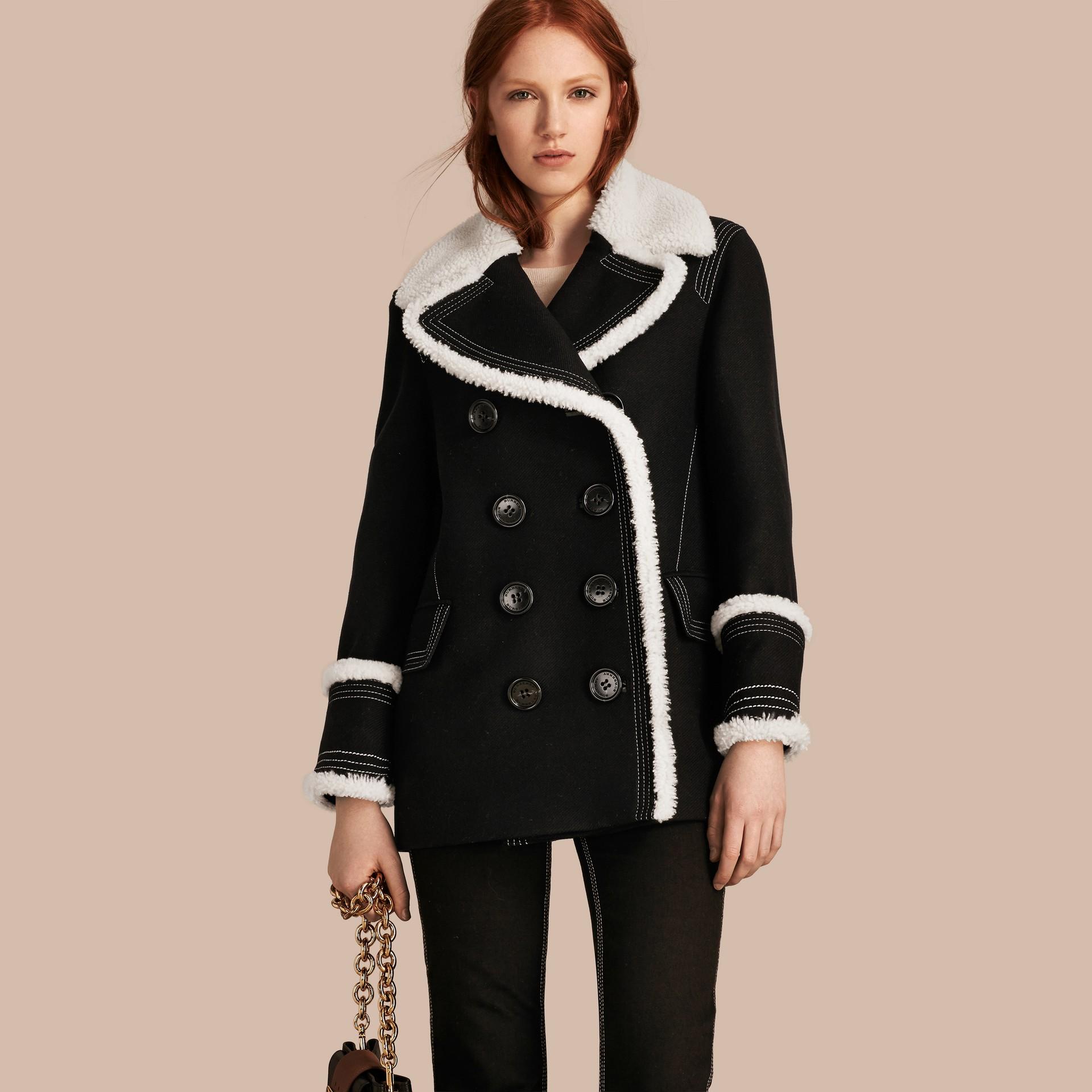 Nero Pea coat in misto lana e cashmere con finiture in shearling - immagine della galleria 7