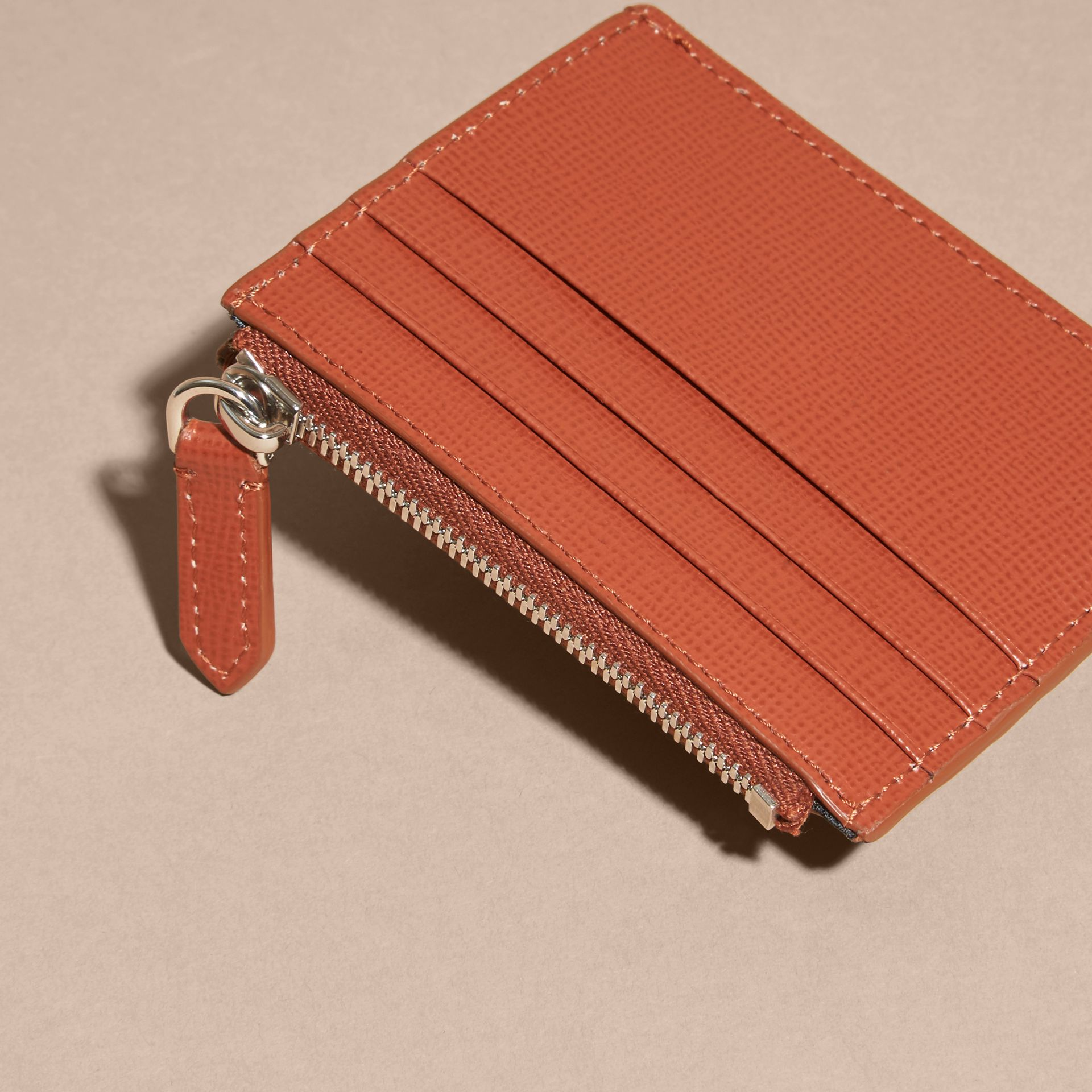 London Leather Zip-top Card Case in Burnt Sienna - gallery image 4