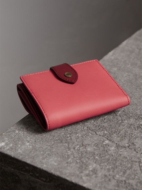 Two-tone Trench Leather Wallet in Blossom Pink/ Antique Red - Women | Burberry - cell image 2