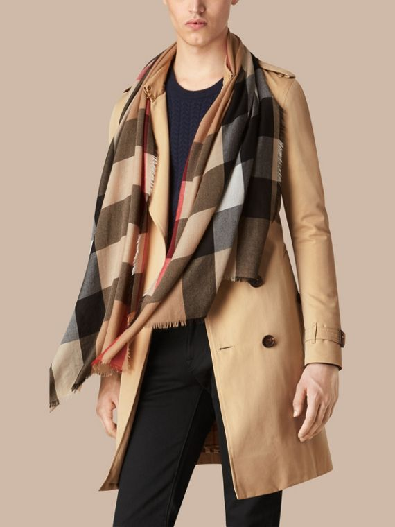 Camel The Lightweight Cashmere Scarf in Check Camel - cell image 3