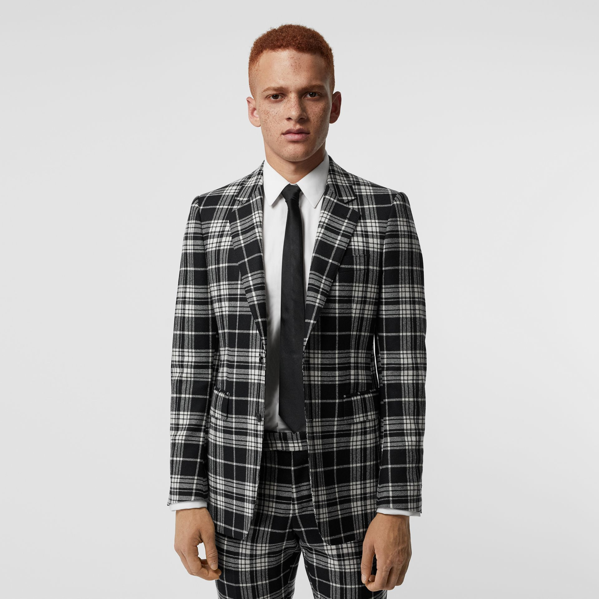 Chaqueta de vestir de corte clásico en lana y cachemir con motivo tartán (Negro) - Hombre | Burberry - imagen de la galería 6