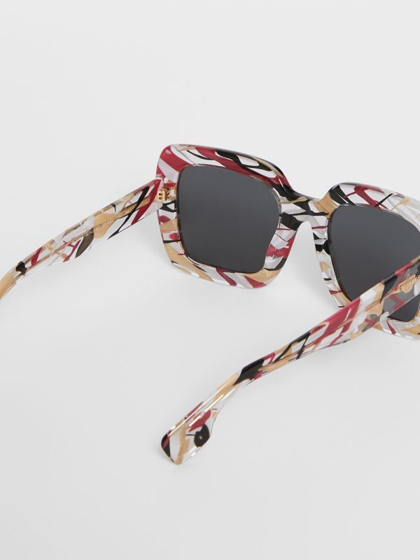 Marbled Check Oversized Square Frame Sunglasses in Lacquer Red - Women | Burberry - cell image 3