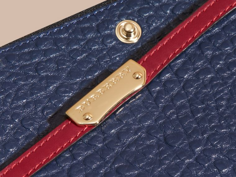 Blue carbon/parade red Border Detail Signature Grain Leather Ziparound Wallet - cell image 1