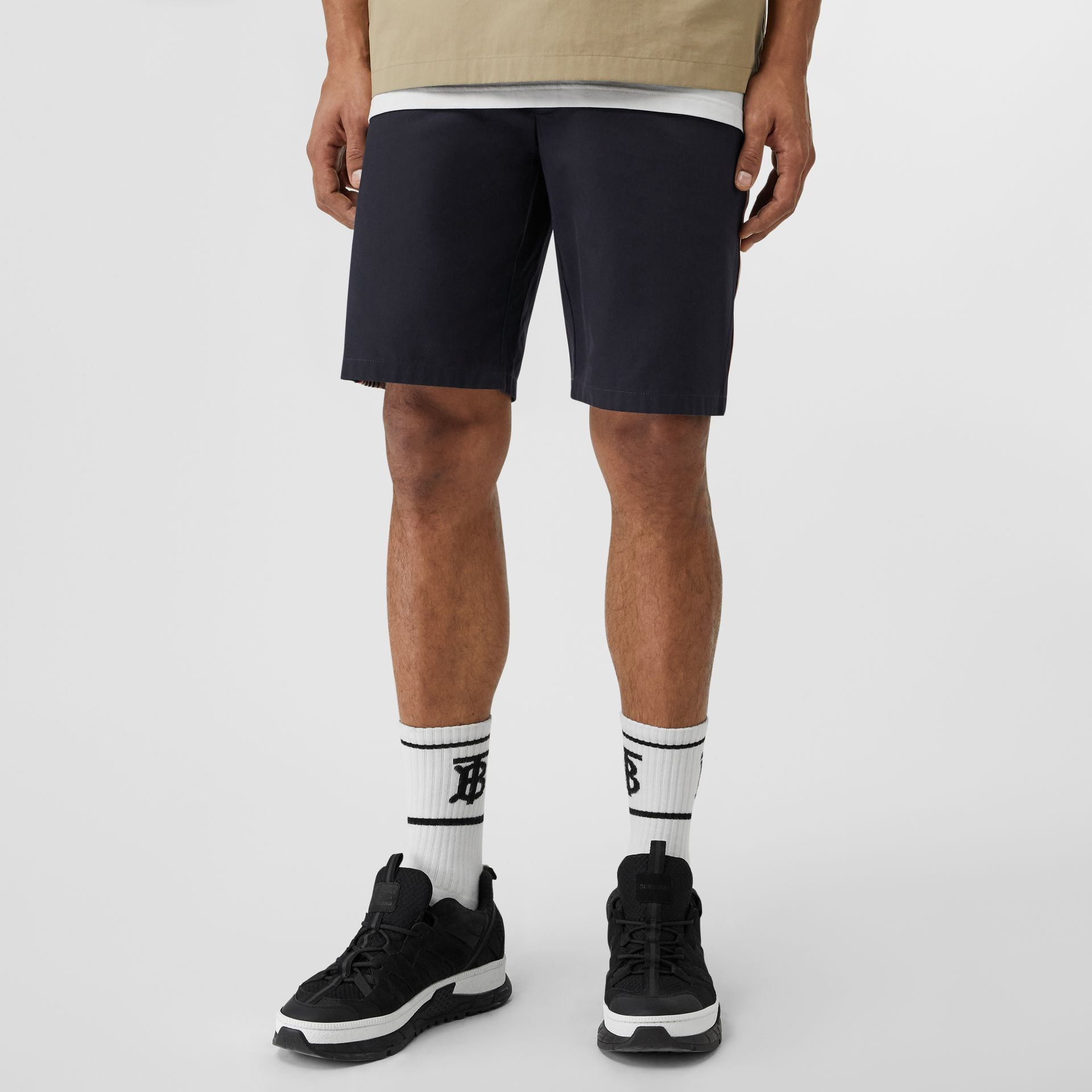 Icon Stripe Detail Cotton Twill Chino Shorts in Navy - Men | Burberry Singapore - gallery image 4