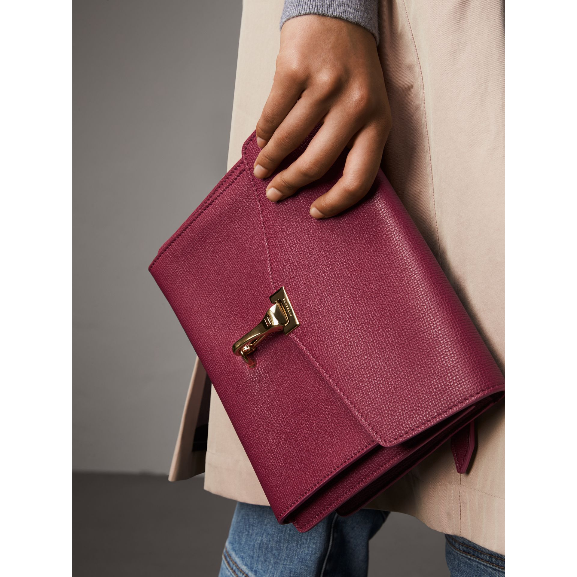 Small Grainy Leather Crossbody Bag in Berry Pink - Women | Burberry Singapore - gallery image 3
