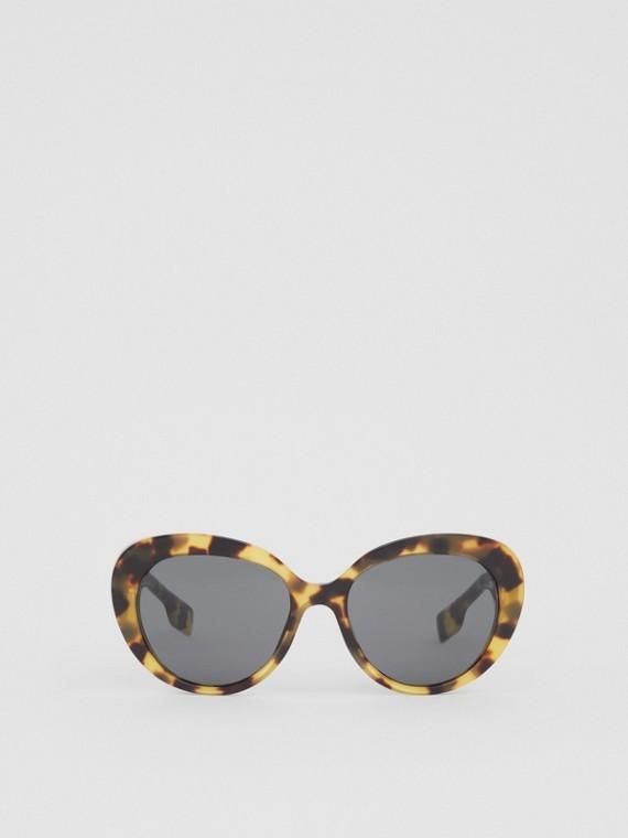 Óculos de sol com armação gatinho e monograma (Casco  Tartaruga Intenso)