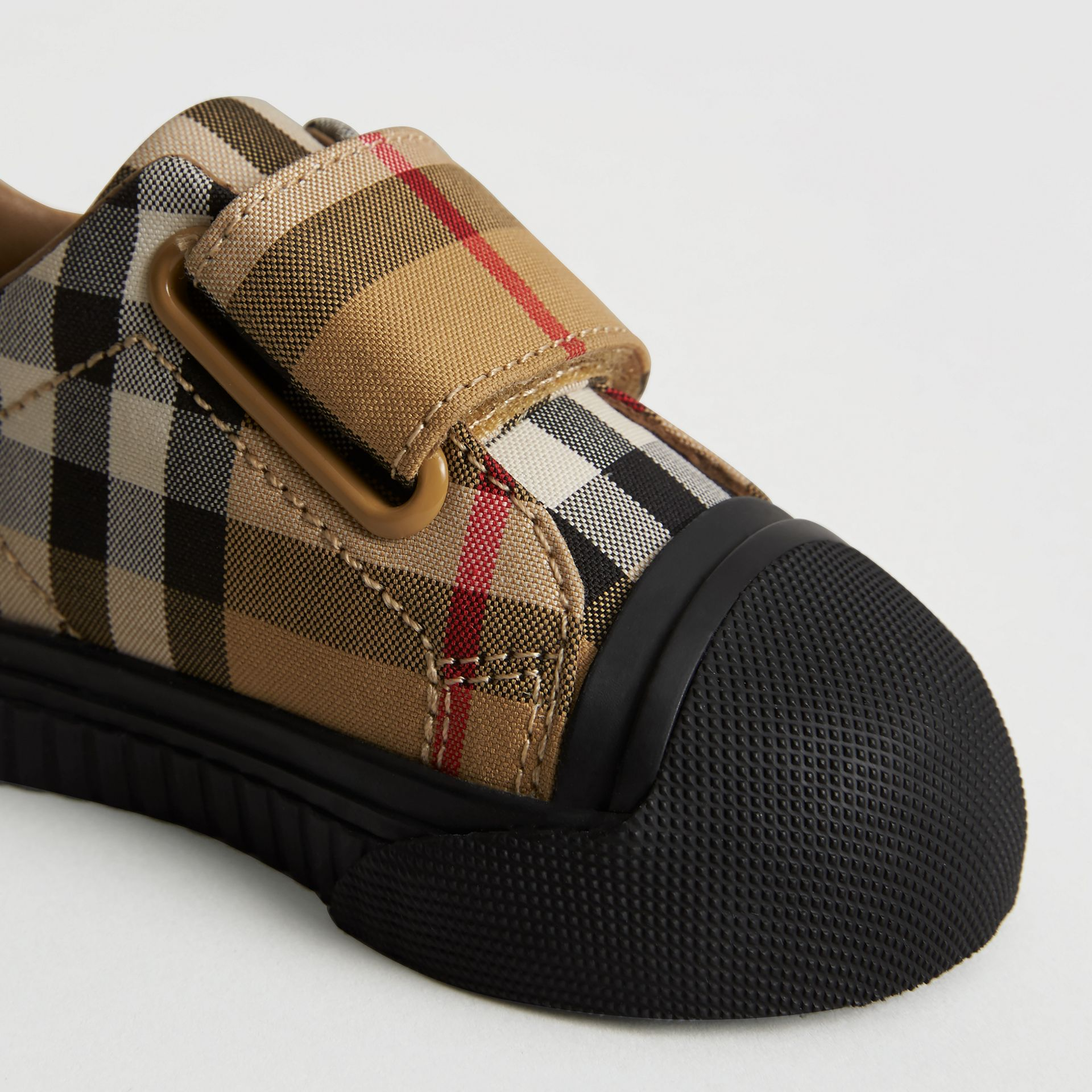 Sneakers en cuir à motif Vintage check (Jaune Antique/noir) - Enfant | Burberry Canada - photo de la galerie 1