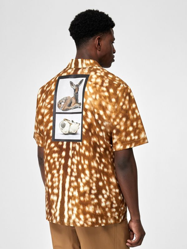 Short-sleeve Slogan Deer Print Cotton Shirt in Honey | Burberry United Kingdom - cell image 2