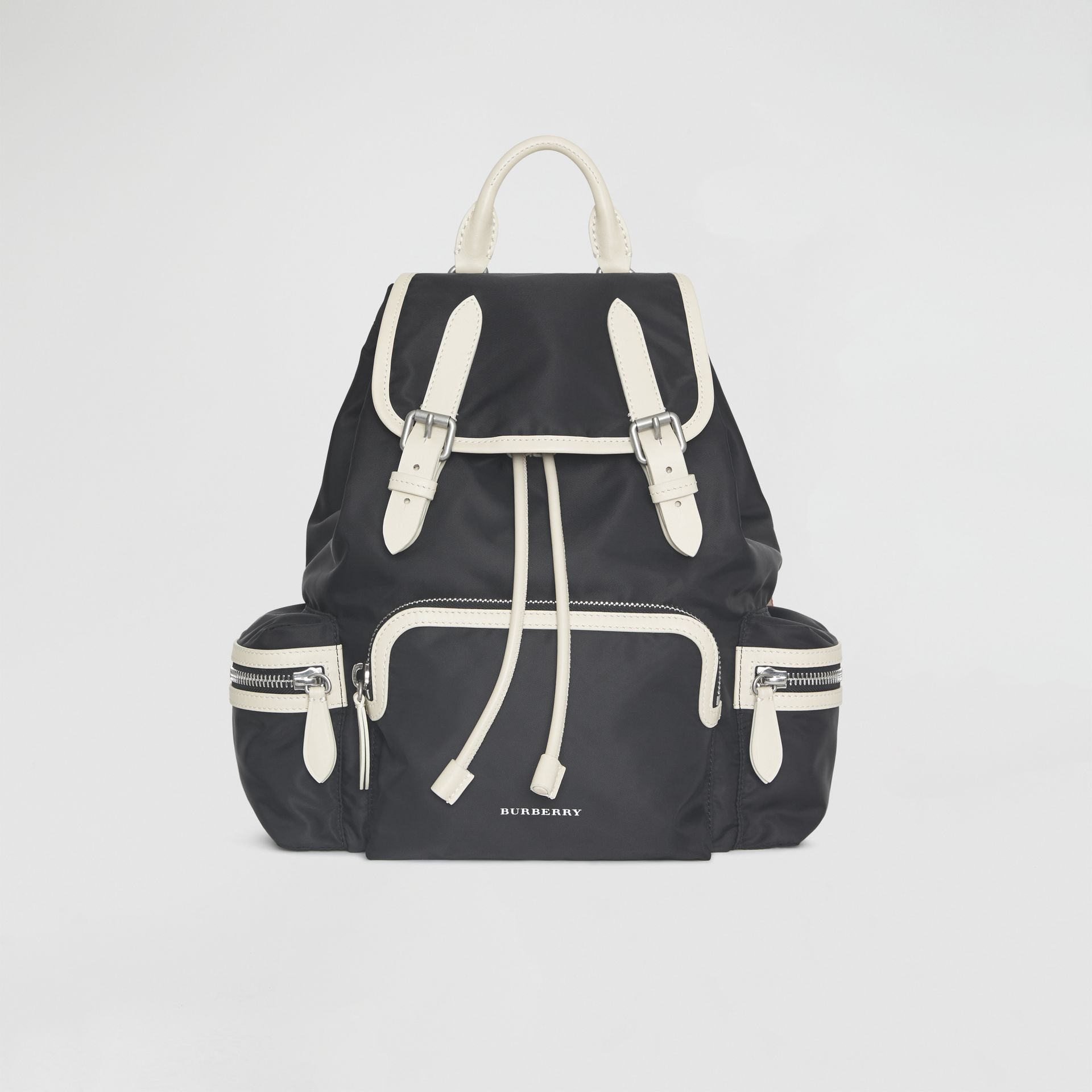 Zaino The Rucksack medio in nylon tecnico e pelle (Nero) - Donna | Burberry - immagine della galleria 0