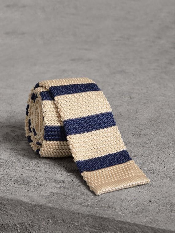 Slim Cut Two-tone Knitted Silk Tie in Limestone