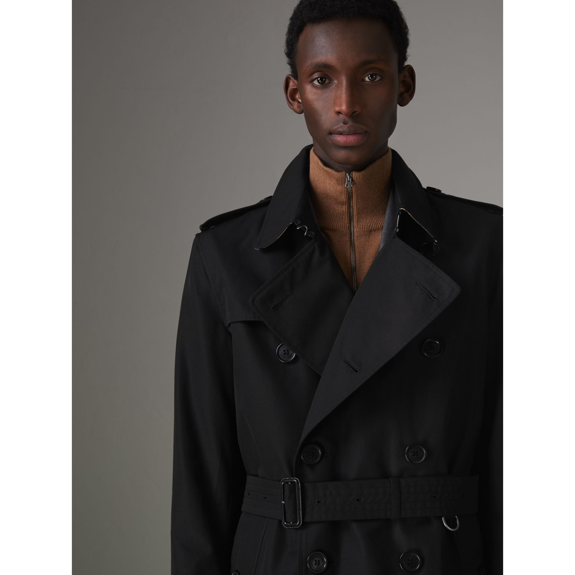 The Kensington Heritage Trench Coat in Black - Men | Burberry - gallery image 4