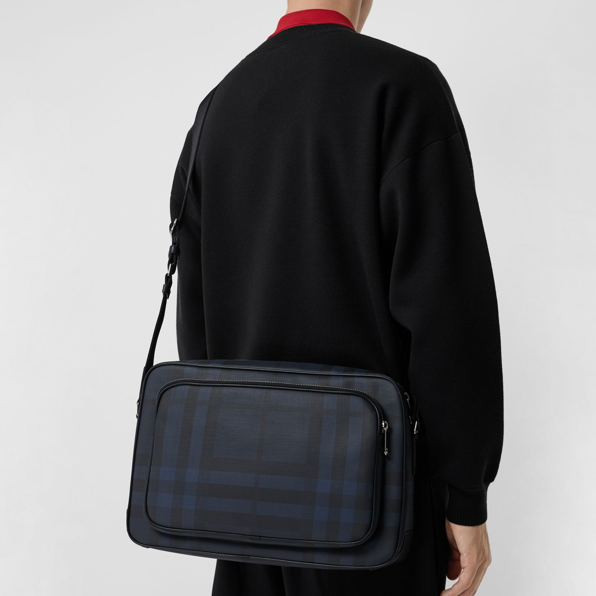 London Check Messenger Bag in Navy/black - Men | Burberry Hong Kong - gallery image 4