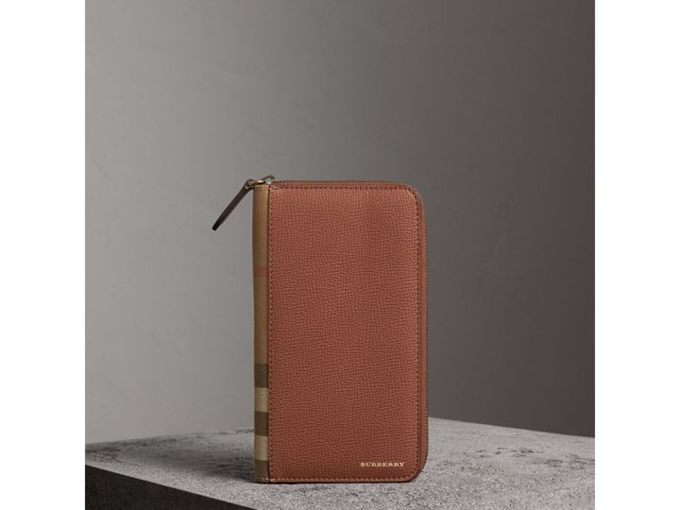 House Check and Grainy Leather Ziparound Wallet in Chestnut Brown | Burberry - cell image 4