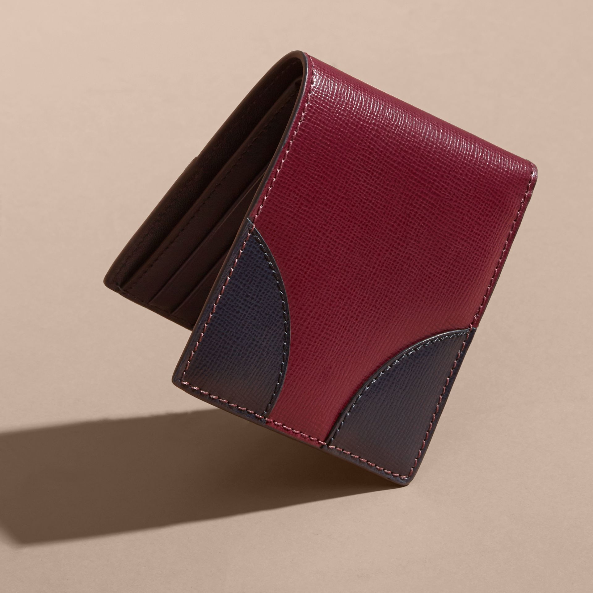 Two-tone London Leather International Bifold Wallet in Burgundy Red - gallery image 3