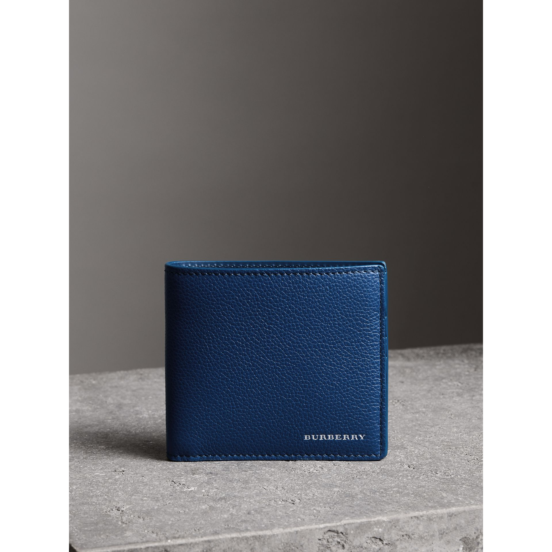 Grainy Leather International Bifold Wallet in Bright Ultramarine - Men | Burberry Singapore - gallery image 4