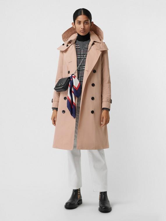 Trench coat en tafetán con capucha de quita y pon (Rosa Tiza)