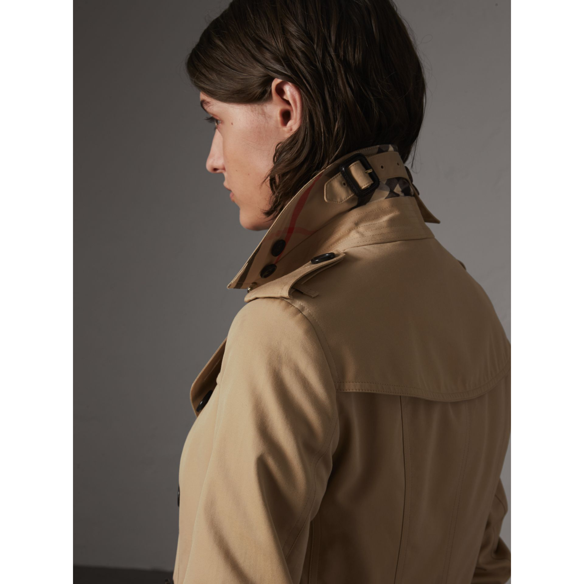 The Sandringham – Long Trench Coat in Honey - Women | Burberry Australia - gallery image 2