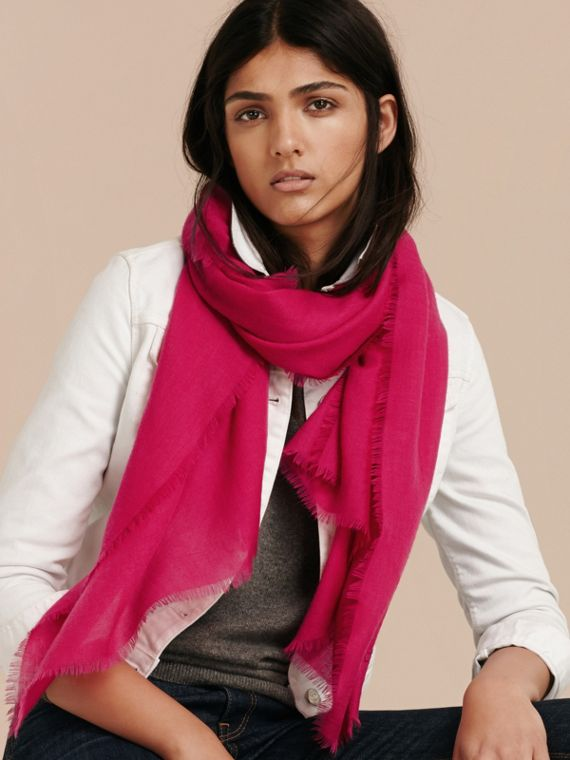 The Lightweight Cashmere Scarf in Fuchsia Pink | Burberry Australia - cell image 2