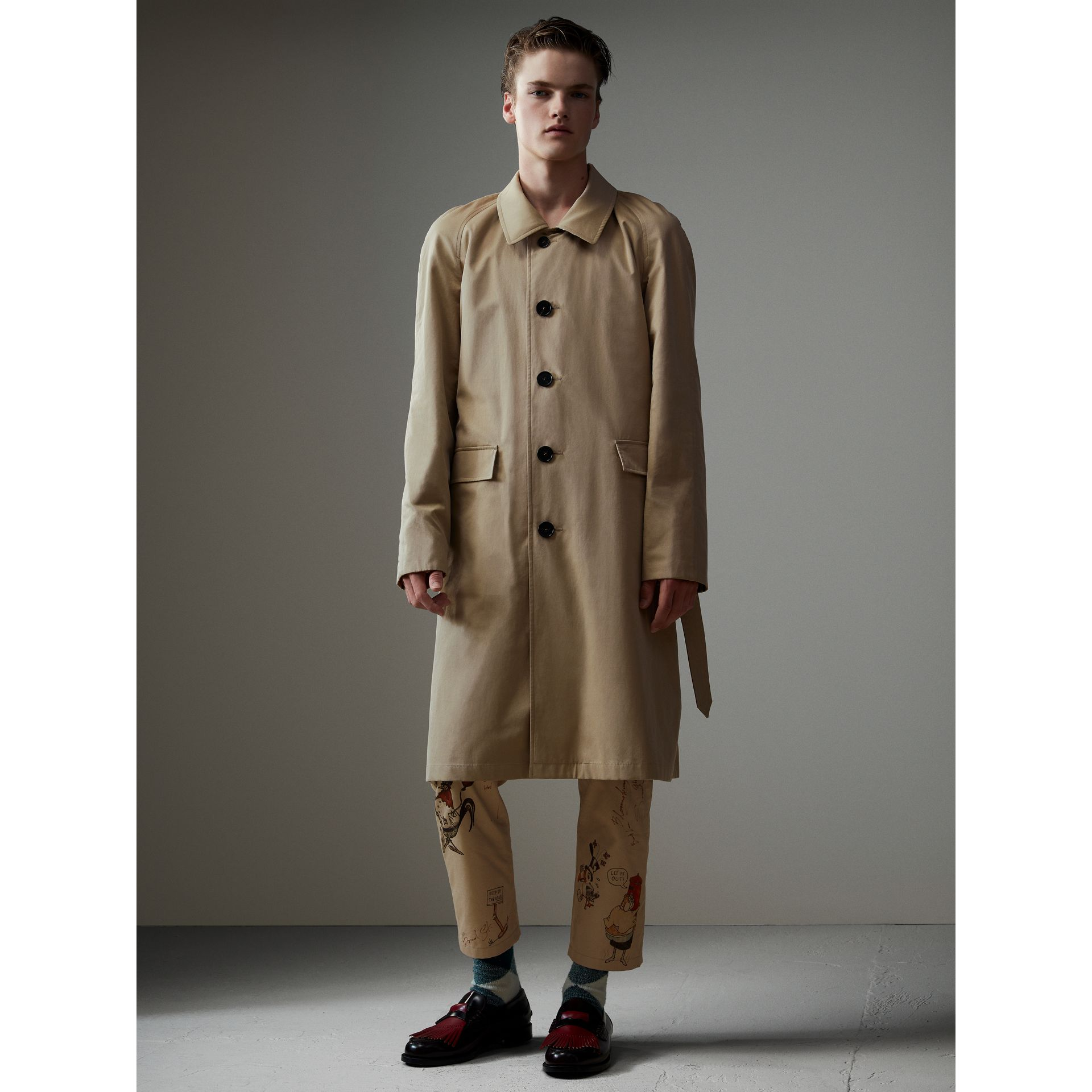 Reversible Vintage Check Gabardine Car Coat in Antique Yellow - Men | Burberry United States - gallery image 5