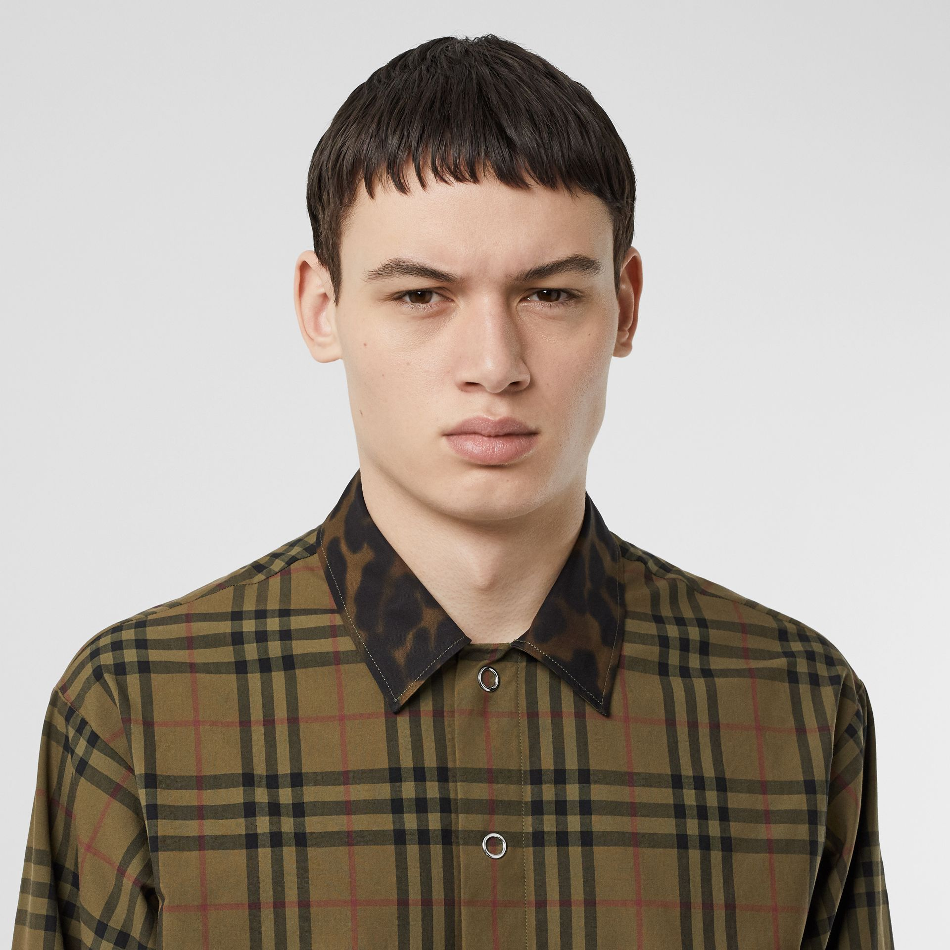 Contrast Collar Vintage Check Cotton Shirt in Army Green | Burberry - gallery image 1