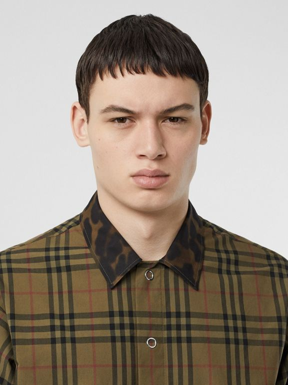 Contrast Collar Vintage Check Cotton Shirt in Army Green | Burberry - cell image 1
