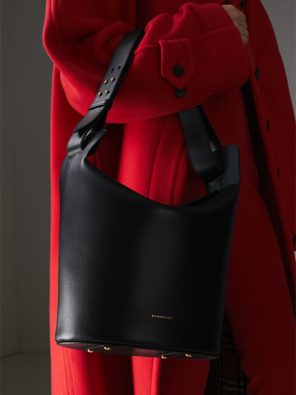The Medium Leather Bucket Bag in Black - Women | Burberry Singapore - cell image 3