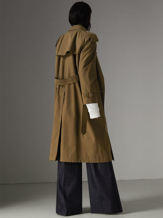 The Long Westminster Heritage Trench Coat in Dark Military Khaki - Women | Burberry - cell image 2