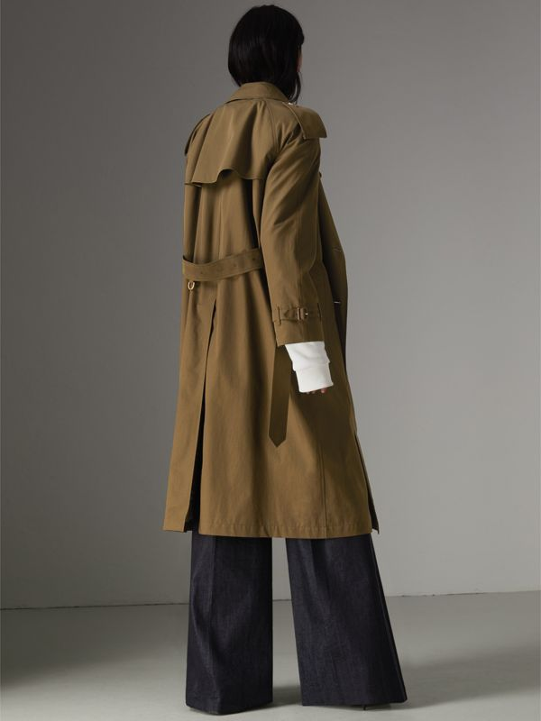 The Long Westminster Heritage Trench Coat in Dark Military Khaki - Women | Burberry United Kingdom - cell image 2