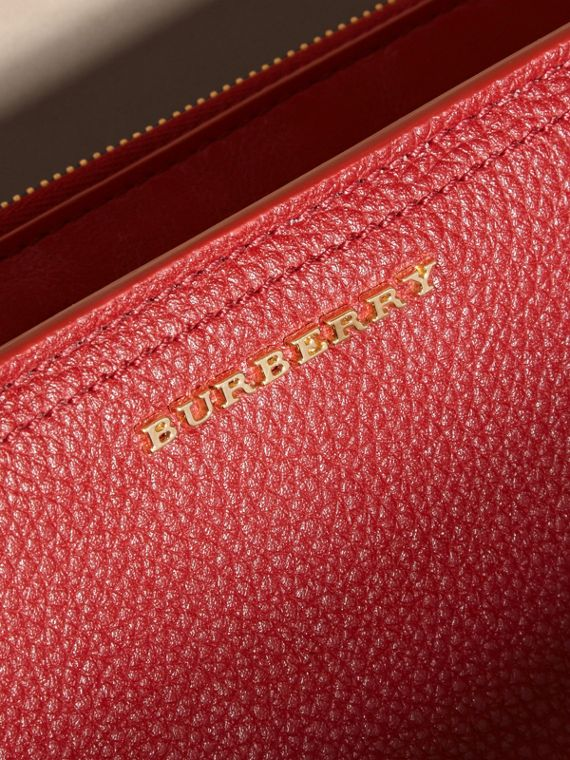 Grainy Leather Ziparound Wallet in Parade Red - Women | Burberry Hong Kong - cell image 3