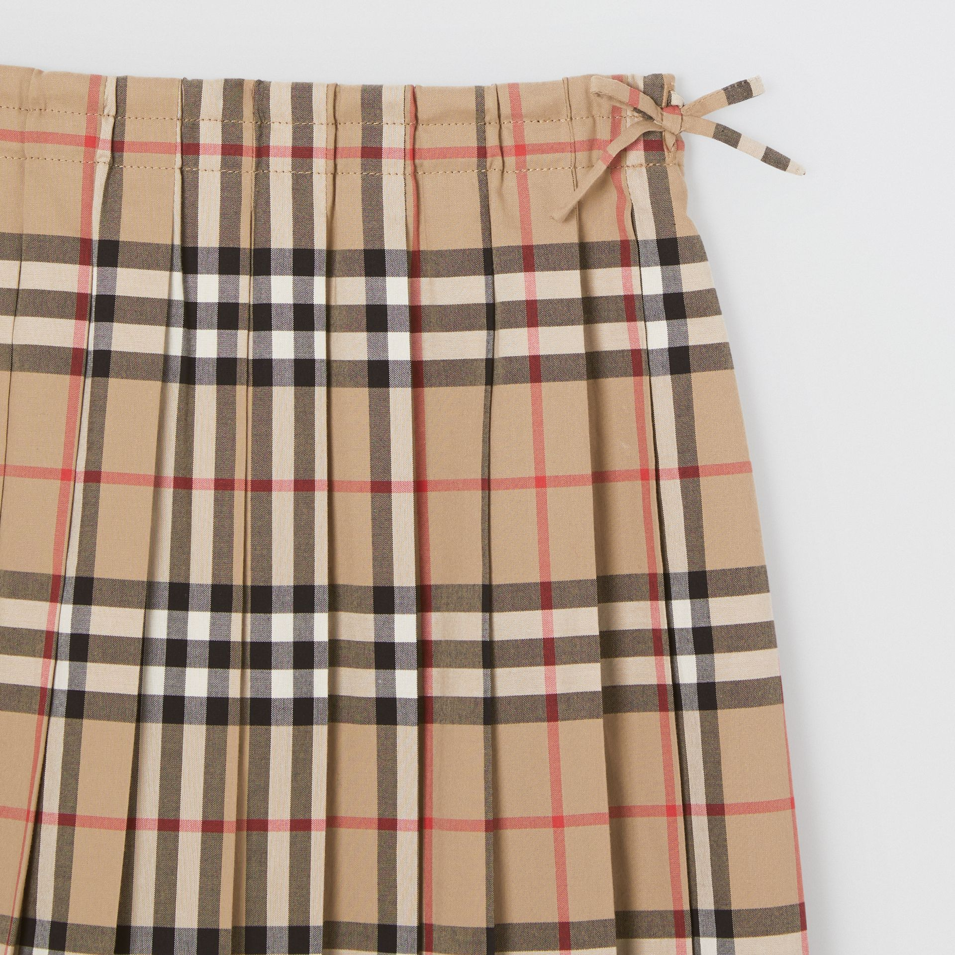Vintage Check Pleated Skirt in Archive Beige | Burberry United Kingdom - gallery image 4