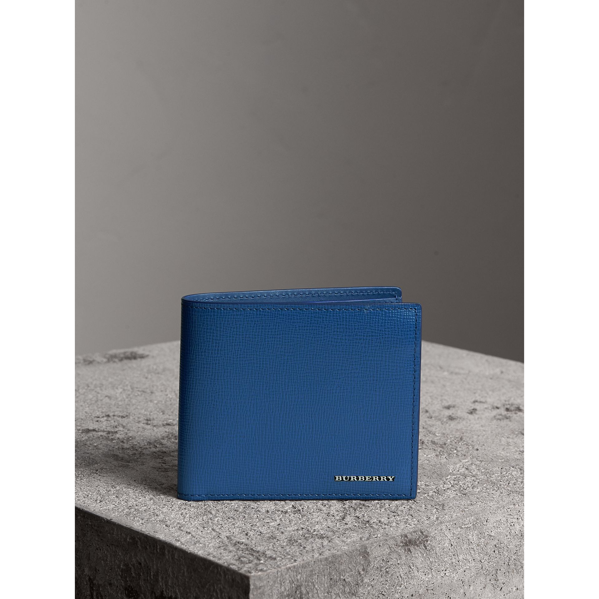 London Leather International Bifold Wallet in Deep Blue | Burberry United Kingdom - gallery image 4