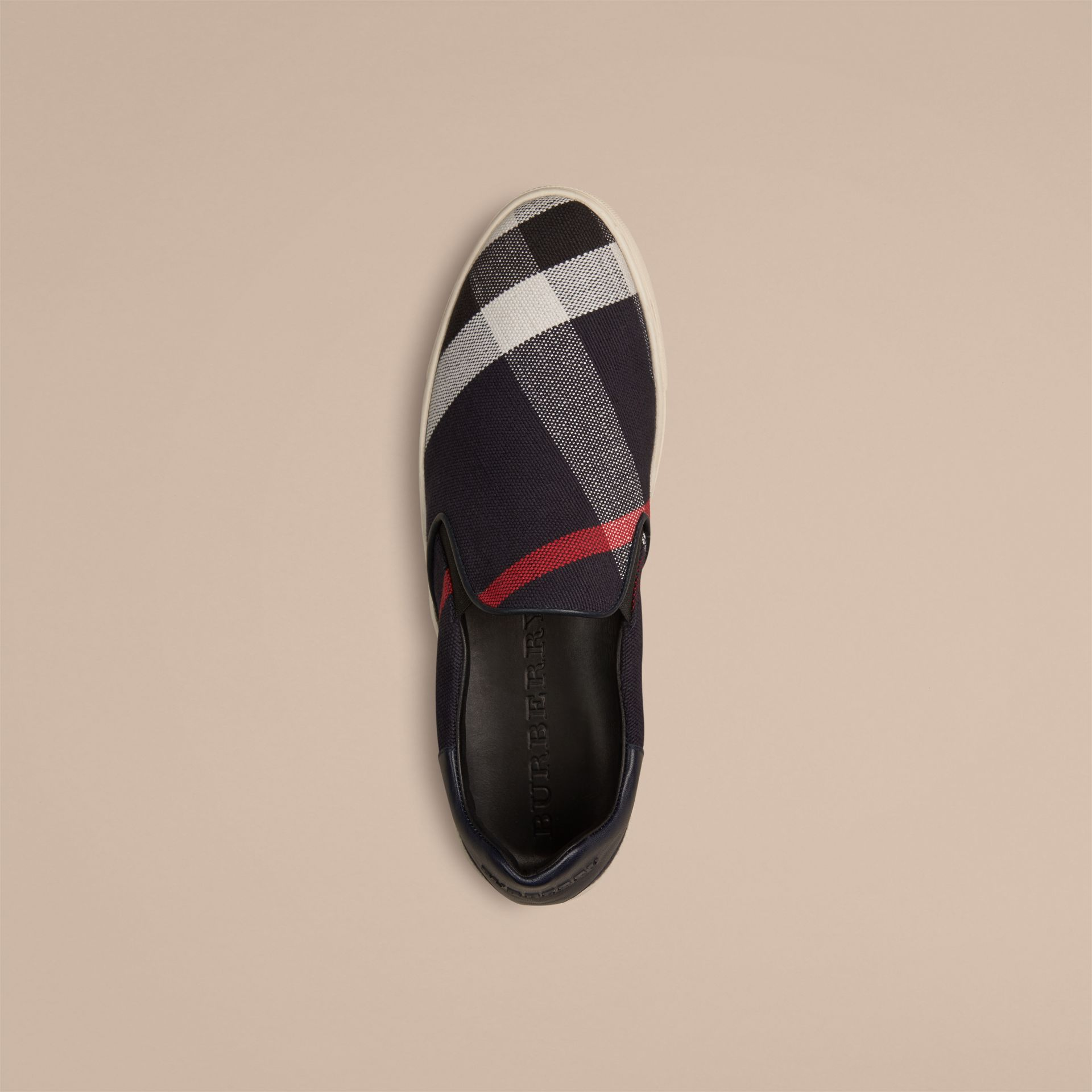 Ultramarinblau Sport-Slipper in Canvas Check und Leder - Galerie-Bild 2