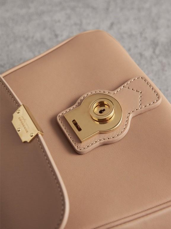 Bolsa de mão DK88 - Pequena (Mel) - Mulheres | Burberry - cell image 1