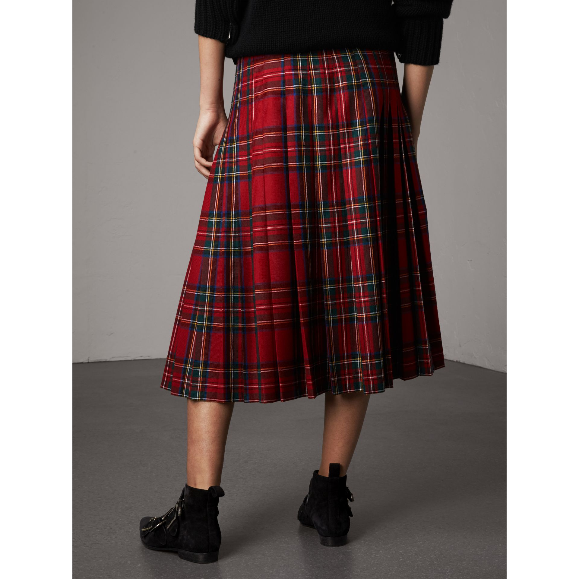 Tartan Wool Kilt in Bright Red - Women | Burberry Australia - gallery image 3